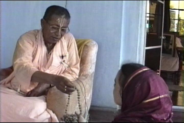 891014_Srila Govinda Maharaj_Nabadwip_part 1_001_3132.png